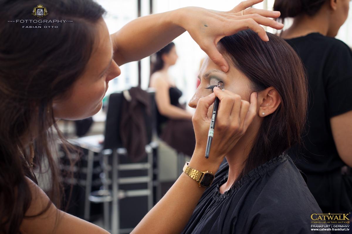 Professionelle Ausbildung zum Make-up Artist